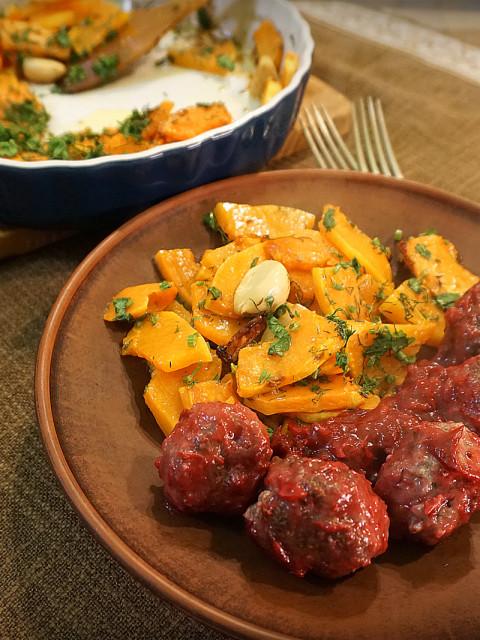 Пульпети (фрикадельки) з журавлиновим сосом