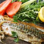 Запечена риба у фользі, з цитриною та зелениною