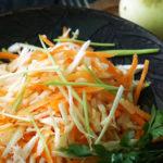 Цибуля-пора та салатки з неї на осінь